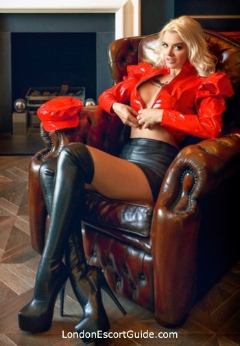 Paddington pvc-latex Mistress Desiree london escort
