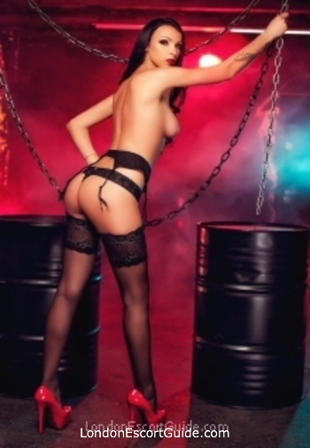Chelsea brunette Aayla london escort