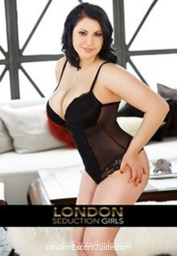 Bayswater brunette Lolita london escort