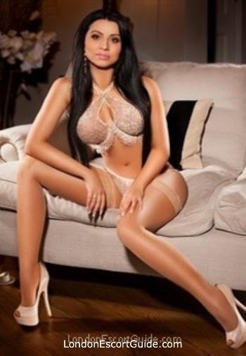 Oxford Street busty Aleeza london escort