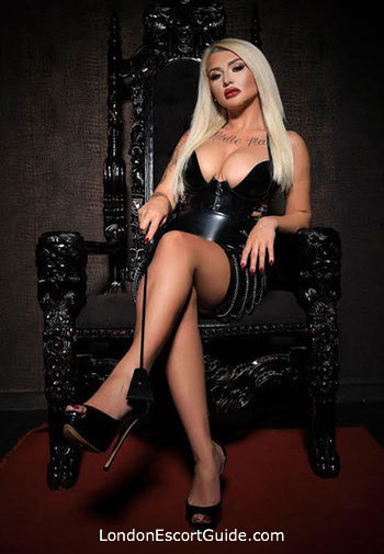South Kensington pvc-latex Mistress Maya london escort