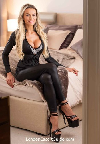 Kensington blonde Sandra london escort