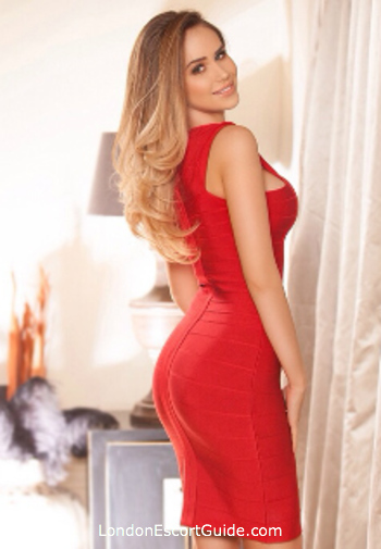 Chelsea 400-to-600 Anna london escort