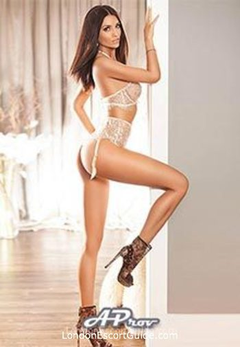 Kensington brunette Dayana london escort