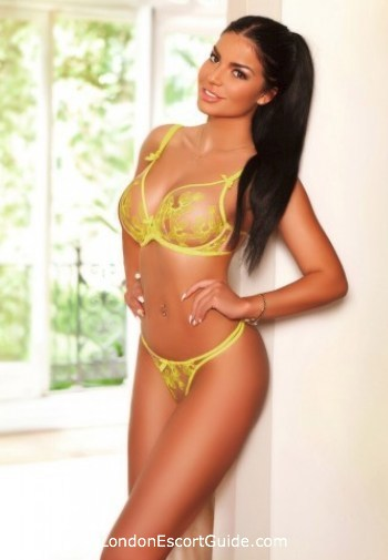 South Kensington brunette Kylie london escort