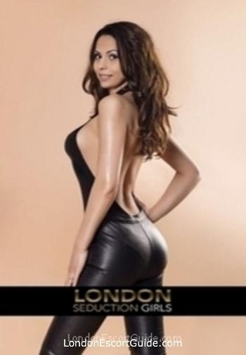 Central London brunette Syeira london escort