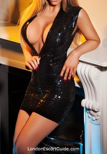 Chelsea blonde Amanda Banks london escort