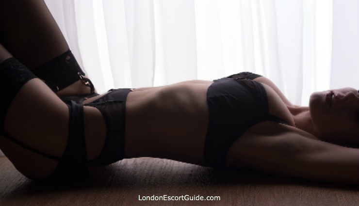 Earls Court mature Famke B london escort