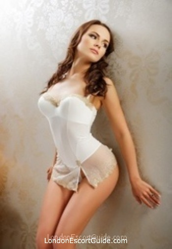 Chelsea brunette Lilly Pearl london escort