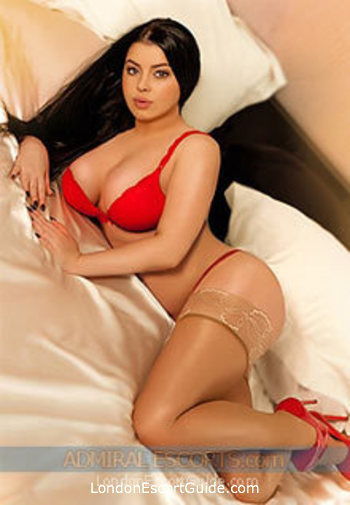 Bayswater busty Bessie london escort