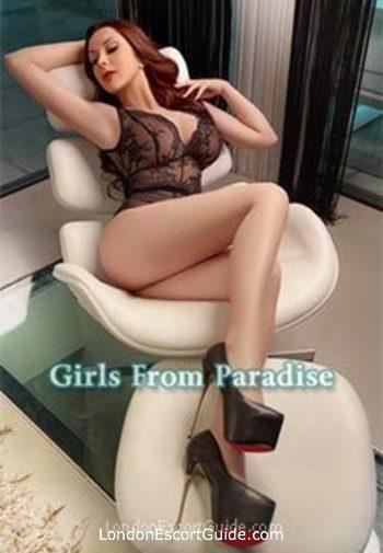 Mayfair brunette Axelle london escort