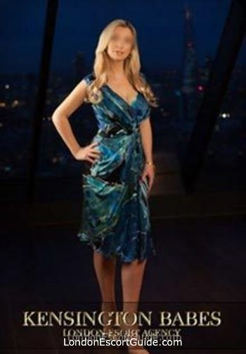 Mayfair blonde Karolina london escort