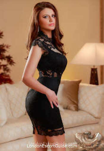 Mayfair brunette Sable london escort
