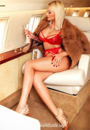 Kensington blonde Maya london escort