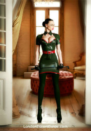 Earls Court brunette Mistress Evlyn london escort