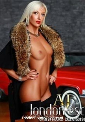 central london blonde Raissa london escort