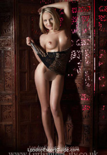 Paddington blonde Nicole Kirman london escort