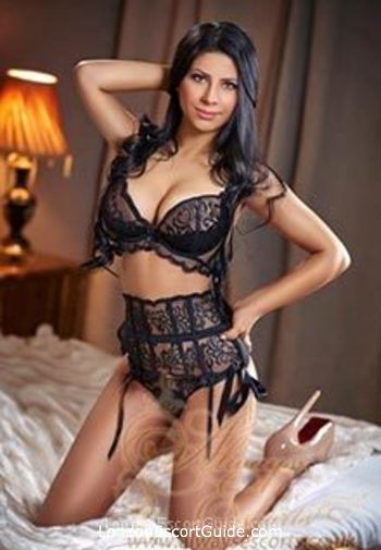 Earls Court brunette Sonia london escort
