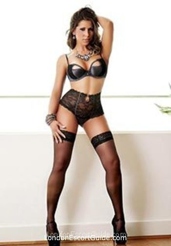 Mayfair brunette Livia london escort