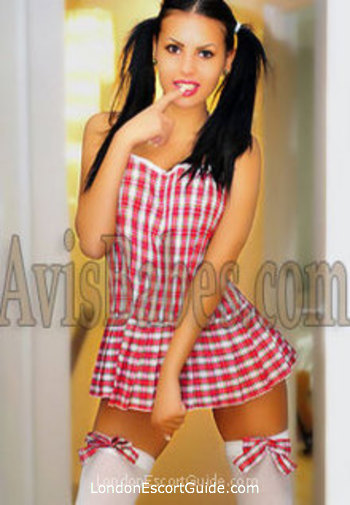 Bayswater brunette Jessica london escort