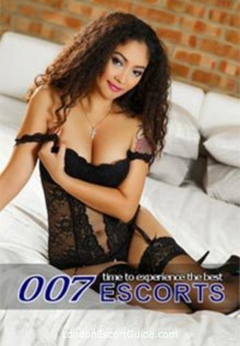 Notting Hill brunette Holly london escort