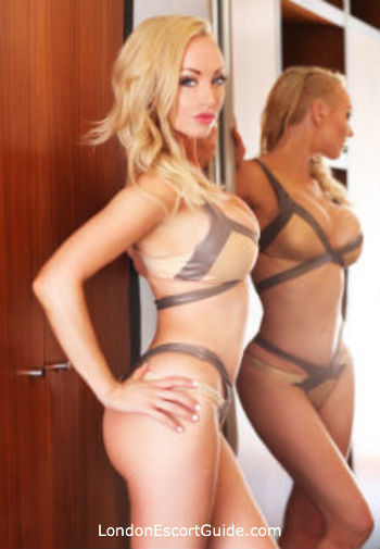 Chelsea blonde Jamie london escort