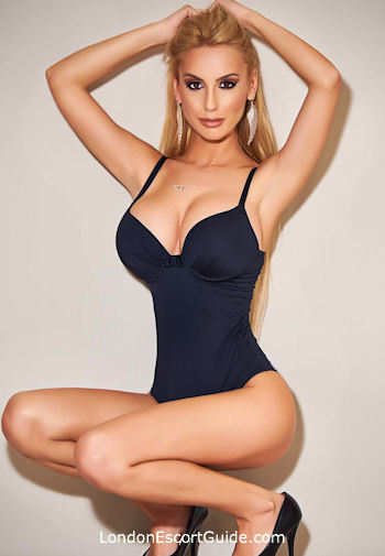 Kensington blonde Jenny london escort