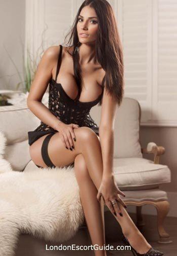 Kensington brunette Demi london escort