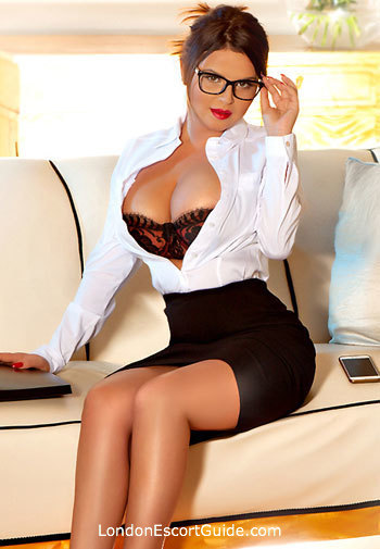 Edgware Road busty Esmeralda london escort