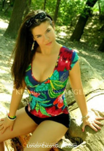 Wimbledon brunette Eve london escort