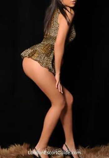 Outcall Only brunette Nicole london escort