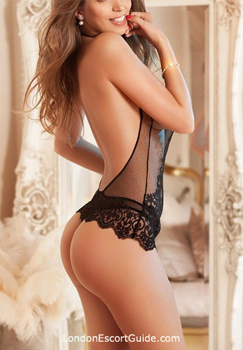 Chelsea blonde Kim london escort