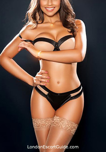 Knightsbridge elite Laura london escort