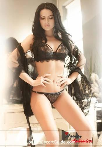Marylebone brunette Candy london escort