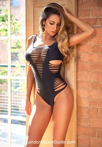 Knightsbridge busty Nina london escort