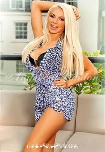 Kensington blonde Lotta london escort