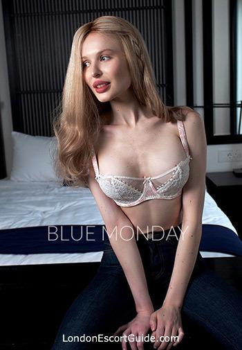 Paddington blonde Gloria london escort
