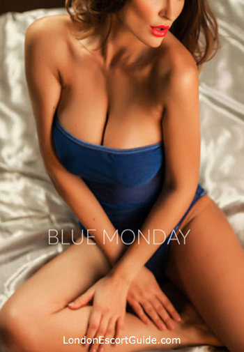 Chelsea brunette Vicky london escort