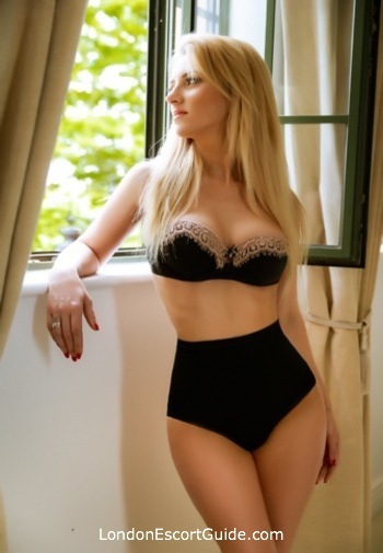 South Kensington blonde Casey london escort
