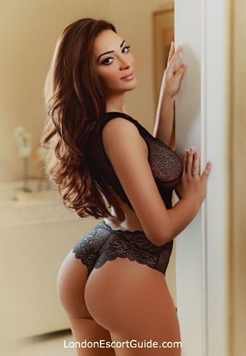 Paddington brunette Dominique london escort