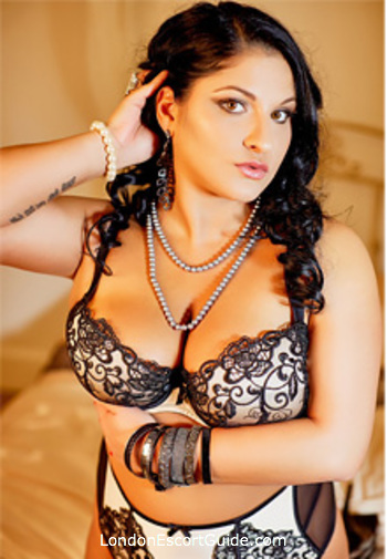 Bayswater busty Garcia london escort