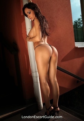 Knightsbridge brunette Marykeit london escort
