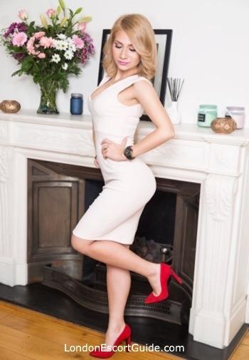Marble Arch blonde Maribel B london escort