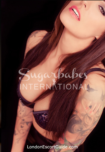 Kensington brunette Foxy london escort