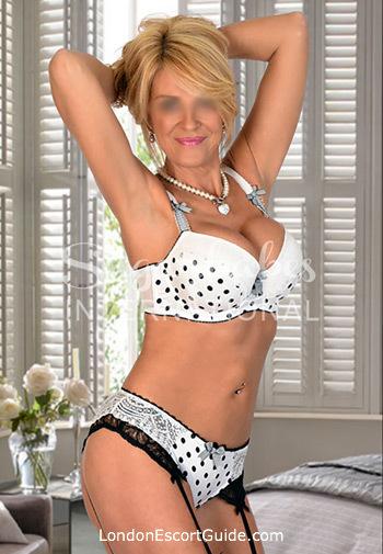 Bayswater blonde Liz london escort
