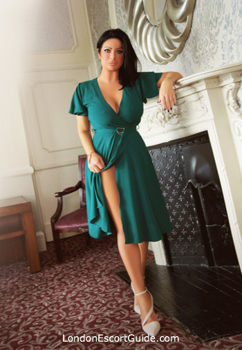 Mayfair english Amy london escort