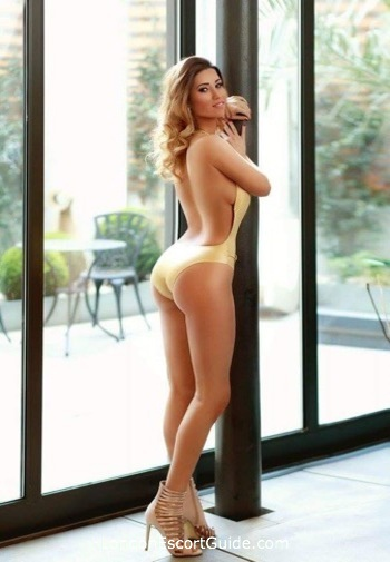 South Kensington brunette Viola london escort