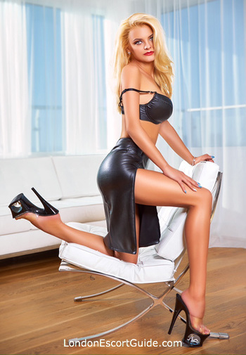 Paddington blonde Amy london escort