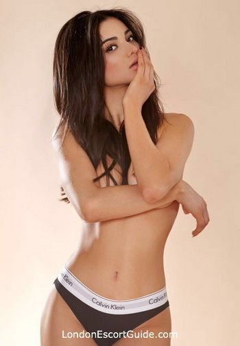 Knightsbridge brunette Bella london escort