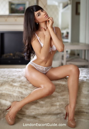 Knightsbridge elite Bella london escort